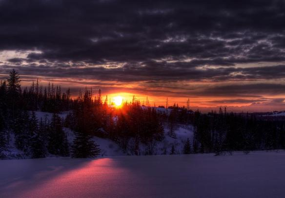 alaskan-winter-sunset-michele-cornelius
