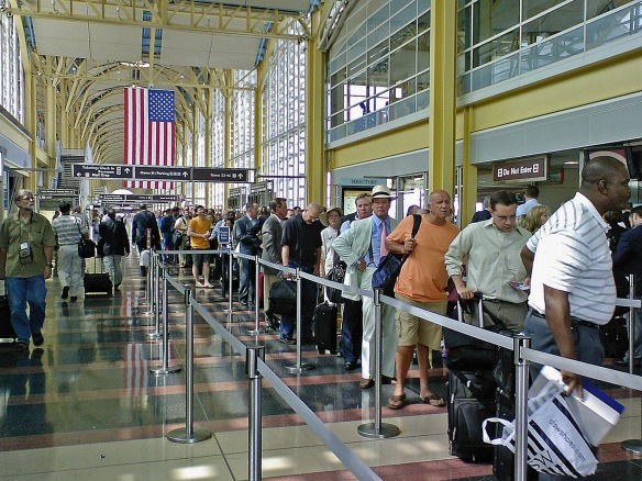 airport-security-line1
